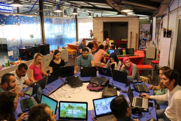 Yazılım mühendisleri Bilim Merkezi'nde yetişiyor