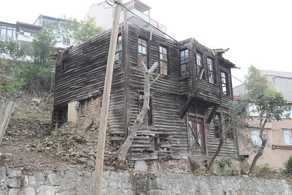 Hulusi Kentmen'in evi için restorasyon çalışması başlattı