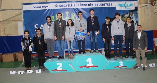 Okullarası Satranç Ligi'nin ikinci etabı Gebze Spor Salonu'nda yapıldı