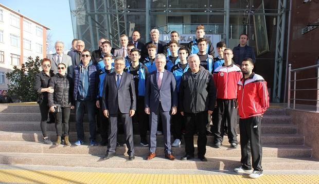 Gölcük Belediyespor Basketbol Takımı Tekirdağ'a Uğurlandı