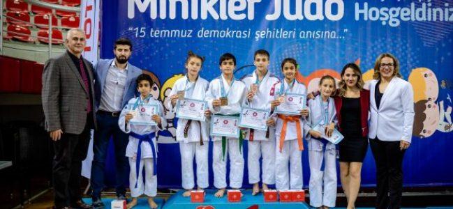 Judocular kırılması güç bir rekora imza attı