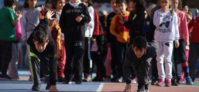 Küçük yaşlarda sporla tanışan çocuklar