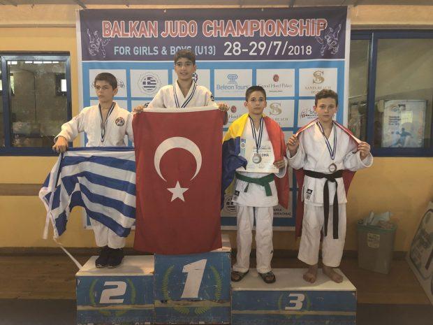Balkanlardan 6 Madalya İle Döndüler