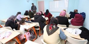 100 Kursiyer Okuryazarlık Eğitimi Alıyor