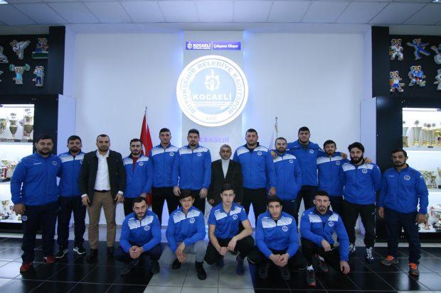 Güreşçiler Türkiye Şampiyonası'na gidiyor