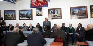 Karaosmanoğlu, Darıca Erzurumlular Derneği'ne konuk oldu.