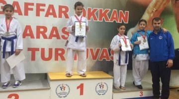 Karatecilerden turnuvada 29 madalya