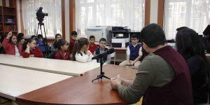 """Okullarda """"Tiyatro ve İletişim"""" konulu söyleşi programları başladı"""
