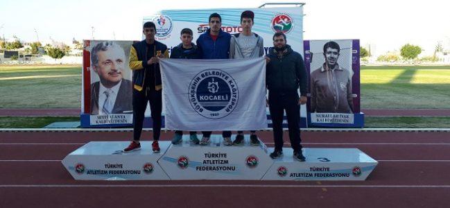 Mavi beyazlı atletler, Mersin'den iki madalya ile döndü