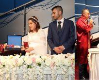 Sevgililer Günü'nde Gebzeli çiftlerin nikahlarını kıydılar