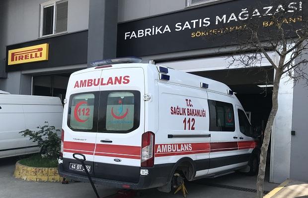 Ambulanslar için lastik bağışlıyor