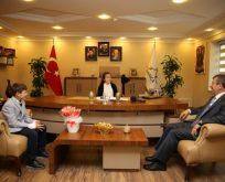 Karabacak, başkanlık koltuğunu bir süreliğine devretti.