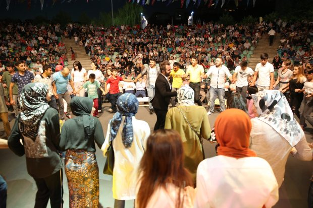 Amasyalılar Darıca' da gönüllerince eğlendi