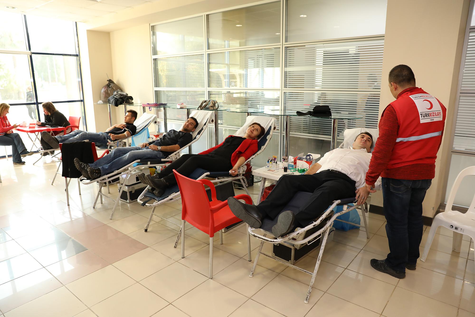 Kan Bağışına İlk Destek Belediye Personellerinden Geldi