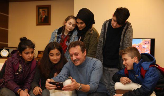 Demirci, İstiklal Ortaokulu öğrencileriyle