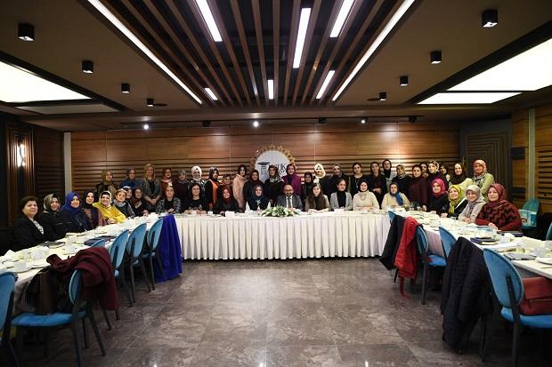 Üzülmez'den AK Parti Kocaeli İl Kadın Kollarına hayırlı olsun ziyareti