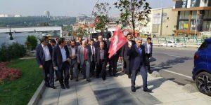 Çayırova' da halkla kucaklaştılar