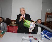 """""""Türkiye siyaseti horoz dövüşü ile meşgul"""""""