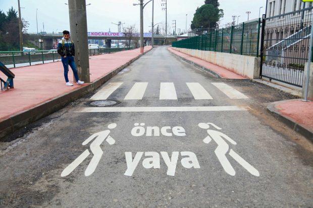 Trafikte öncelik yayaların