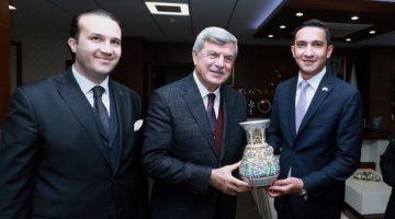 Panama Başkonsolosu Nunez,Karaosmanoğlu'na konuk oldu.