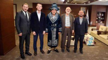 Karaosmanoğlu'na 'Kazak Çapanı'