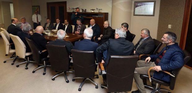 """Karaosmanoğlu, """"Muhtarlarımız, mahallelerinin lideridir"""""""
