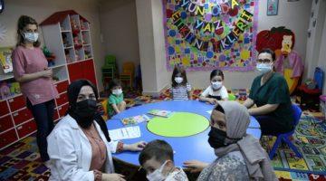 Anneler ve Çocuklar Eğitim Alıyor