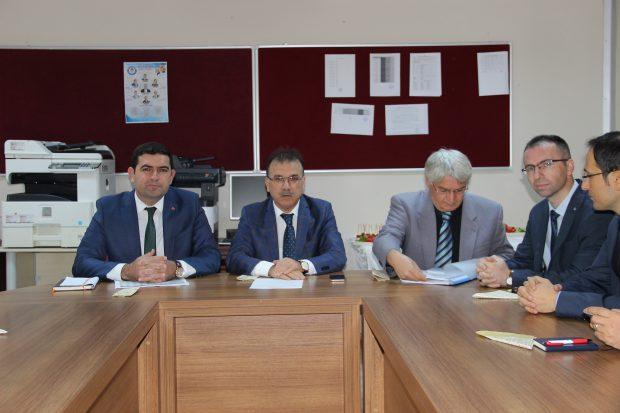 Çayırova'da Ortaokul ve Lise Müdürleri Toplantısı Yapıldı