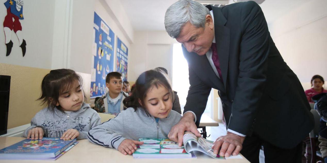 Başkan Öğrencilere Başarılar Diledi