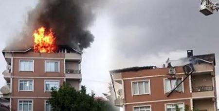 Gebze'de Bir Binaya Yıldırım Düştü! Yangın Çıktı
