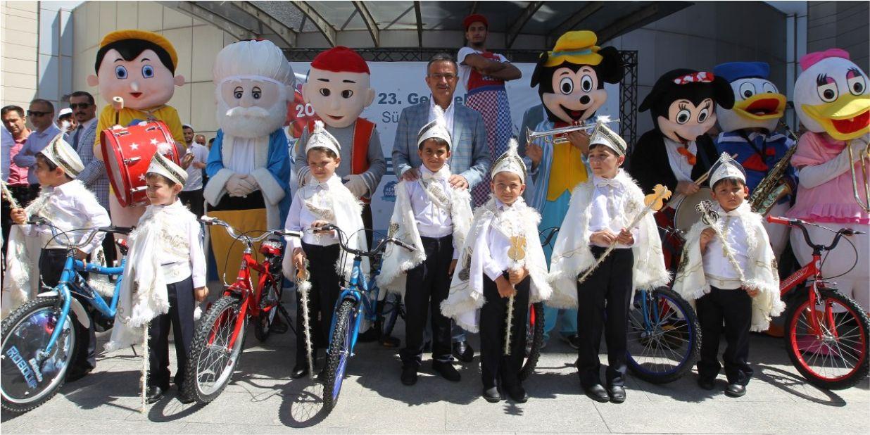 Sünnet çocuklarına hediye bisikletler