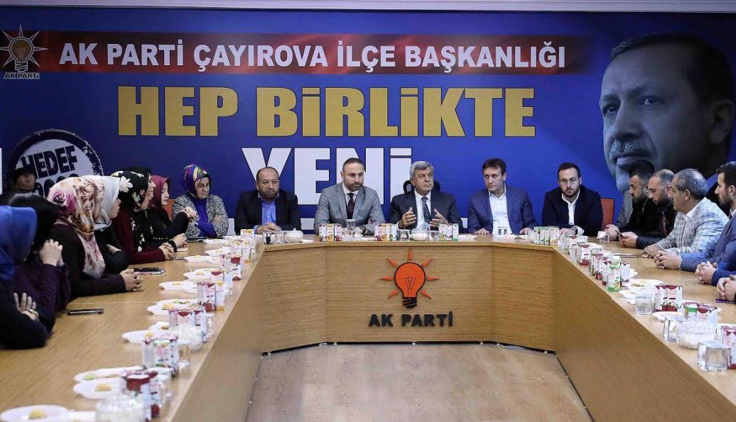 Karaosmanoğlu'ndan Çayırova Ak Parti Ziyareti