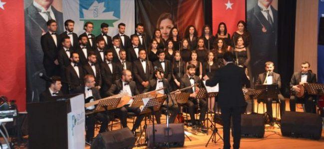 """""""Cumhuriyet Konseri"""" sanat severlerden tam not aldı"""