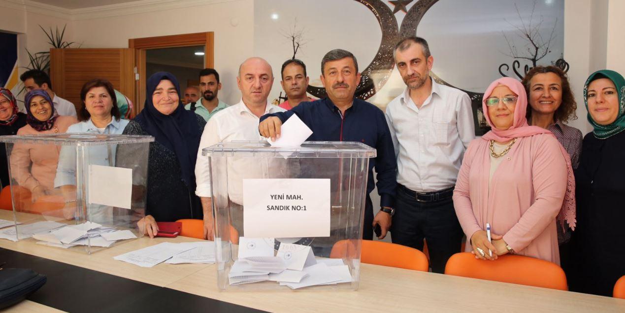Ak Parti'de Seçim Başladı