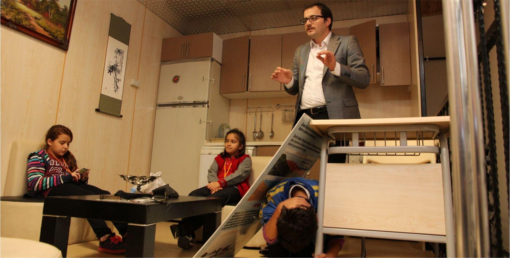 62 bin 500 kişi deprem eğitimi aldı