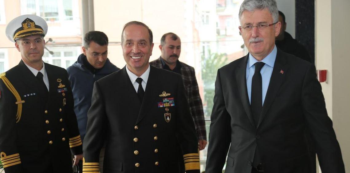 Donanma Komutanı Tatlıoğlu'ndan Ziyaret