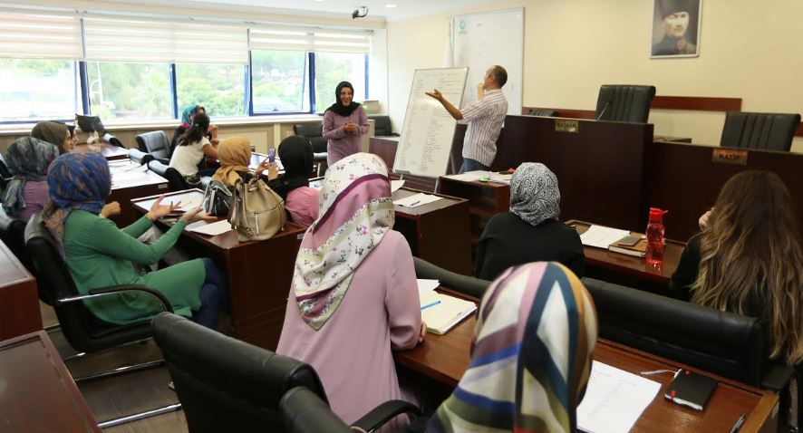 Çayırova Belediyesi'nden İşaret Dili Eğitimi