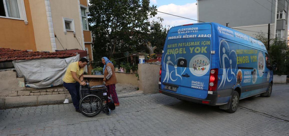 Çayırova'da Engellilere Destek Sürüyor