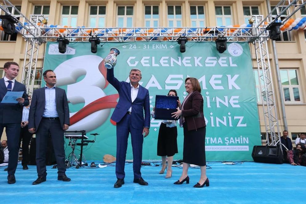 """GAZİANTEP Büyükşehir Belediyesi """"3. Geleneksel GASMEK Sergisi"""" açıldı."""