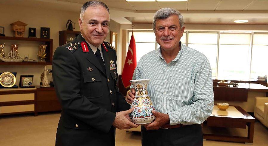 Gürak'tan, Karaosmanoğlu'na veda ziyareti
