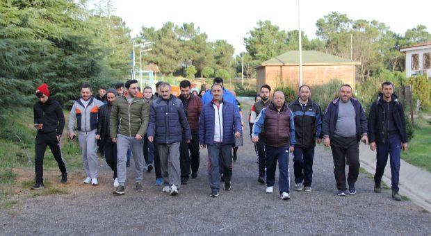Çiftçi, TÜGVA'lı gençler ile yürüdü
