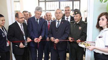 Gölcük Atatürk Anadolu Lisesi Bilim Fuarı Açıldı
