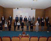 Kompozisyon yarışmasında ödüller kız öğrencilerin