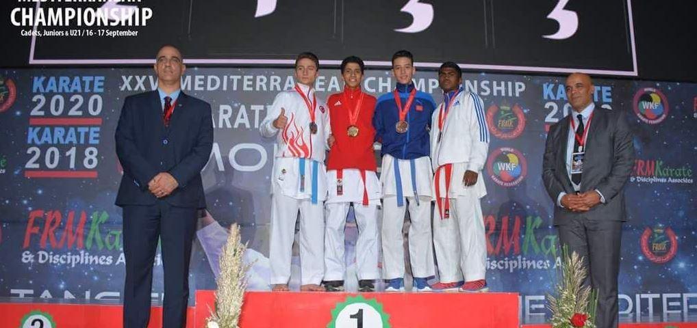 Kağıtsporlu karateciler 4 madalya ile döndü