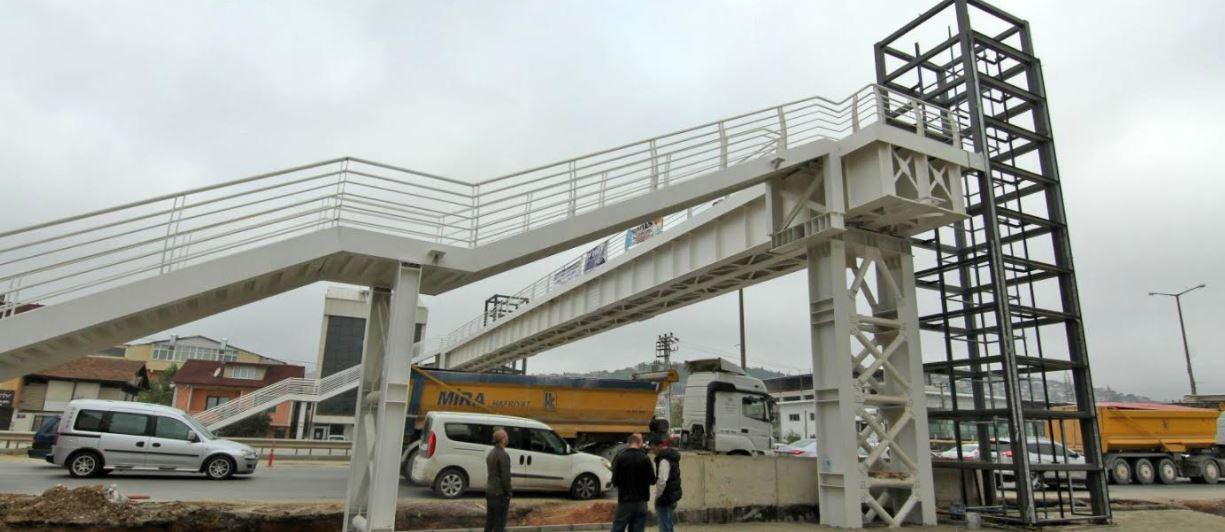 Yenişehir – Yahya Kaptan arasına yaya köprüsü