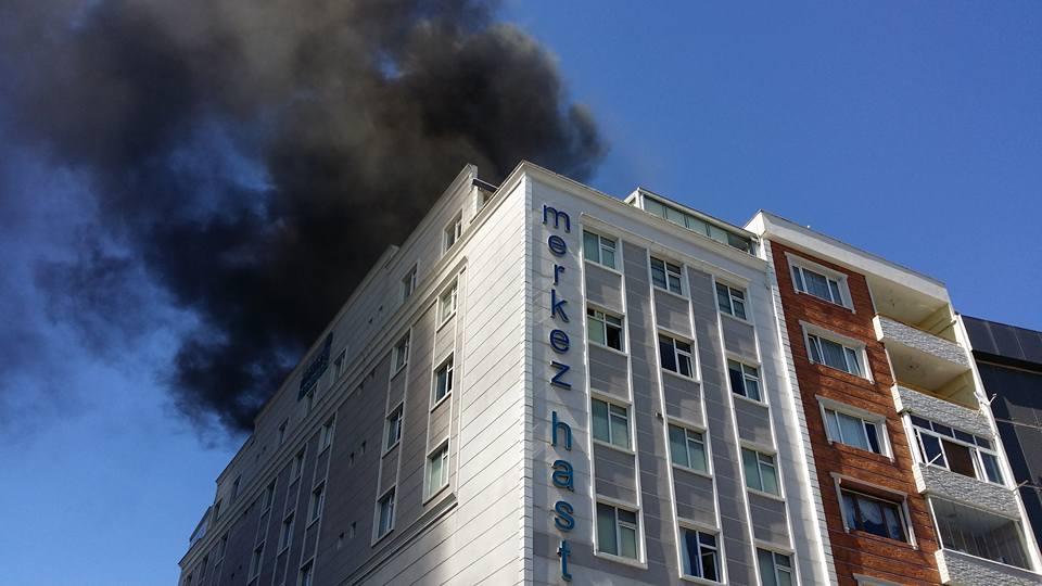 Gebze'de Korkutan Yangın! Hastane Boşaltıldı