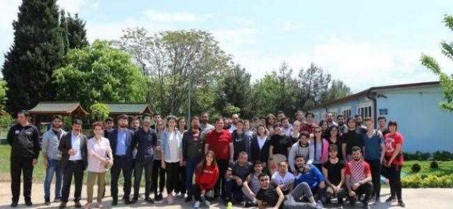 Özel Öğrenciler Üniversiteli abi ve ablalarıyla