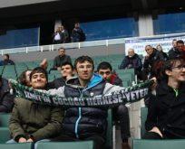 Özel konuklar Kocaelispor maçında
