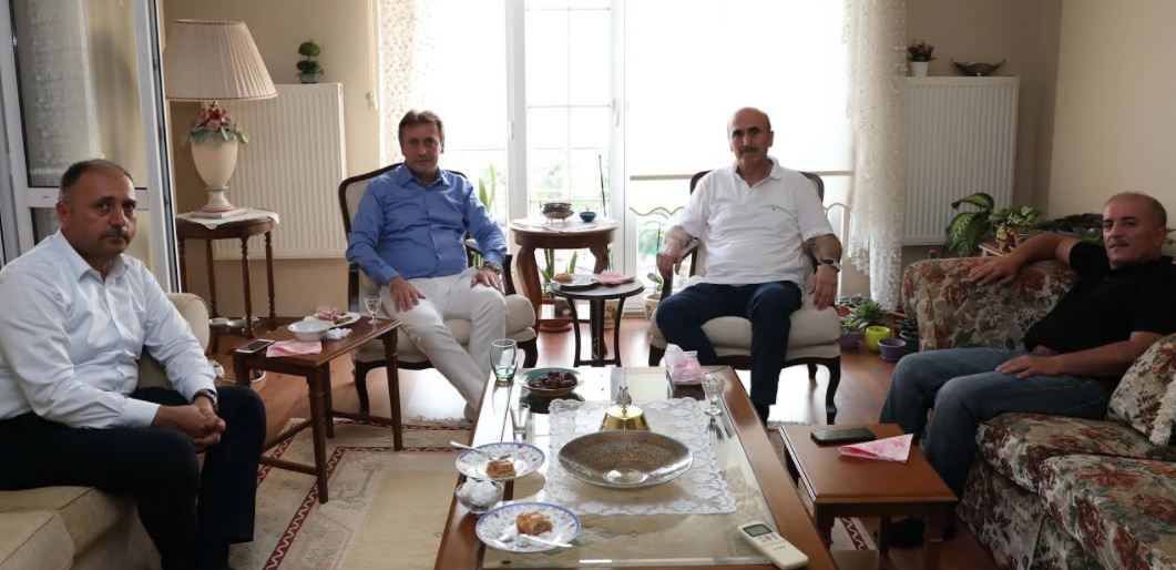 Demirci, Hacı Olan Karabacak ve Pehlivan'ı Ziyaret Etti