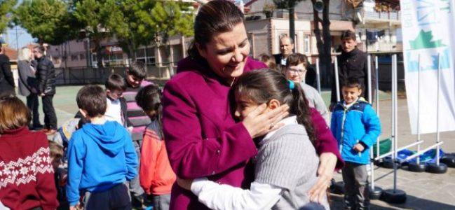 Fatma Abla'dan Akmeşeli çocuklara